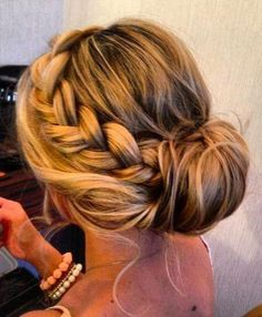 Women Fashion and Hair style: Awesome Low Side Bun Hairstyles for Fine Hair