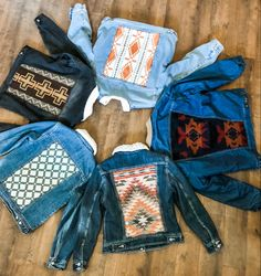 Cute Cowgirl Outfits, Western Outfits Women, Country Style Outfits, Southern Outfits, Cute Outfits, Painted Jeans, Painted Clothes, Denim Jackets, Jean Jackets