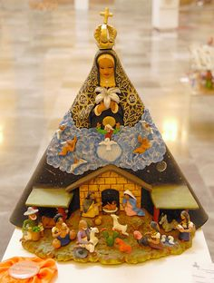 Oaxaca's patroness, the Virgen de Soledad hovers over the traditional nativity scene. This was a prize winner in the nacimiento contest of last Christmas season Nativity Creche, Christmas Nativity Set, A Christmas Story, Christmas Holidays, Christmas Crafts, Xmas, Christmas Ornaments, Nativity Scenes, Vintage Christmas