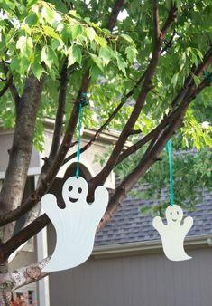 halloween scavenger hunt, scavenger hunts, scaveng hunt, ghost, kid
