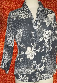 NICOLA gray sheer polyester 3/4 sleeve button front blouse M (T3104D7G) #Nicola #Blouse #Career