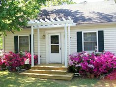 Simple Over the Door Pergola | ... the color of the front door is enough 4 add architectural detail