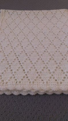 Check out handmade crochet pure white diamond pattern baby blanket on Annakellyc .Check out handmade crochet pure white diamond pattern baby blanket on Annakellyc . Baby Afghan Patterns, Crochet Baby Blanket Free Pattern, Baby Afghan Crochet, Baby Afghans, Crochet Patterns, Blanket Yarn, Knitted Blankets, Baby Blankets, Diy Crafts Crochet