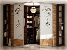 Угловая гардеробная с раздвижными дверьми