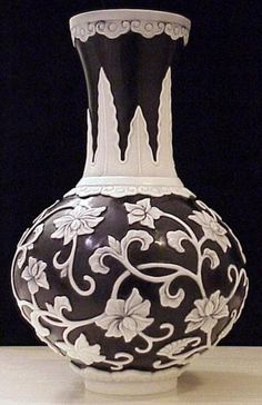 Thomas Webb & Sons White On Black Cameo Glass Vase Depicting Flowing Vines And Flowers - English  c.1900