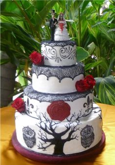 Skeleton day of the dead inspired wedding cake  By: NatD