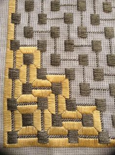 Discover thousands of images about Bargello Design Broderie Bargello, Bargello Needlepoint, Needlepoint Stitches, Needlework, Bargello Patterns, Plastic Canvas Stitches, Plastic Canvas Crafts, Plastic Canvas Patterns, Cross Stitching