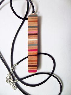COLLANA CIONDOLO rosa marrone bianco matite colorato pencil colors pendant necklace di BluanneColorWood su Etsy