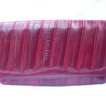"""Swanky! Vintage BURGUNDY Eelskin Textured Leather Long Clutch Envelope Handbag Purse; can be carried with Strap  DESIGNER: vintage Marked SIZE: 7"""" x 12"""" Material:  Leather Condition: Great Vintage Condition  Additional belts are available if you are looking for a specific color or type tha... Vintage Handbags, Indie Brands, Leather Clutch, Belts, Envelope, Burgundy, Purses, Type, Stuff To Buy"""