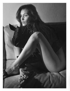 Bella Hadid Nude in Vogue Paris ⋆ Myjestik