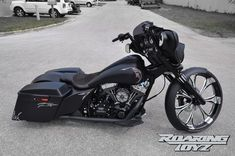 Roaring Toyz Harley-Davidson Street Glide Is Black, Sleek and Evil [Photo Gallery] - autoevolution for Mobile