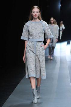 Hanae Mori Designed by Yu Amatsu Tokyo Fall 2015 Collection Photos - Vogue