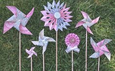 Hey, I found this really awesome Etsy listing at https://www.etsy.com/listing/192474938/vintage-style-pinwheels-and-rosettes