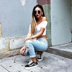 Love this look we found on Tumblr. Distressed denim, white cropped tee, and Vans Old Skools.