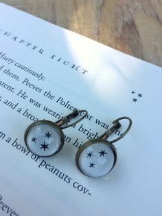 4ff3ec2cc8d90 I love a good pair of lever back earrings! These little babies have the  Harry