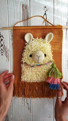 Crochet Wall Art, Crochet Wall Hangings, Tapestry Crochet, Christmas Crochet Patterns, Easy Crochet Patterns, Crochet Designs, Amigurumi For Beginners, Crochet For Beginners, Crochet Toys