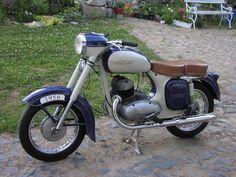 Vintage Motorcycles, Cars And Motorcycles, Jawa 350, Super 4, Cafe Racer Motorcycle, Old Skool, Vespa, More Photos, Motorbikes