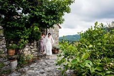 Here comes the bride. Wedding venue sight. Wedding at Borgo Giusto, Lucca, Kate and John.  #wedding #photography #lucca #tuscany borgogiusto #qualcosadiblu  #weddingvenue
