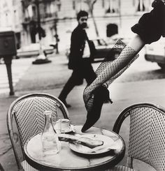 Helmut Newton, Hand in Shoe, Paris. xx Dressed to Death xx #art #photography #fashion