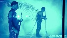 German Rock Band Rammstein - Preforming Engel (Live from Madison Square Garden). would love to see them in concert. Heavy Metal, Nu Metal, Phil Collins, Justin Timberlake, Music Clips, My Music, Bon Jovi, Metal Bands, Rock Bands