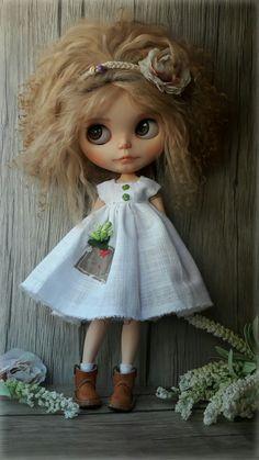 Lilith Bohême. Blythe custom by Pomme D'Amour Little Darling Dolls. https://www.etsy.com/fr/shop/PommedAmourDolls?ref=seller-platform-mcnav
