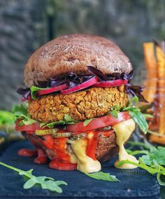 "3,208 Likes, 134 Comments - Laura 🌱Vegan Blogger 🌱 (@laurafruitfairy) on Instagram: ""Portobello mushroom burgers with an oil-free walnut-lentil burger👅♥️ I wanted to post this recipe…"""