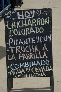 Qué se le antoja. Provocativa pizarra en Pucará (Huancayo, Junín).