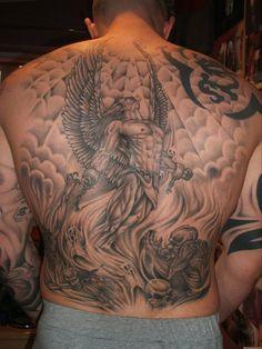 Tatuagem anjo com algemas