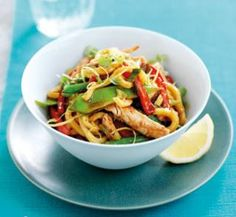 Tasty Chicken noodle stir-fry with lemon dressing recipe Healthy Cooking, Healthy Dinner Recipes, Healthy Eating, Cooking Recipes, Healthy Food, Cooking Ideas, Healthy Meals, Lemon Dressing Recipes, Chicken Stir Fry With Noodles