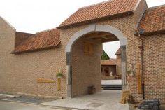Nollekes Winning: www.nollekes-winning.upps.eu  Nollekes Gewinnen ist ein restauriertes Bauernhaus, am Ende des 18. Jahrhunderts erbaut, umgeben von Feldern, Obstgärten und Schlössern. Sie finden uns in Schalkhoven, einem malerischen Dorf in Süd-Limburg zu finden.