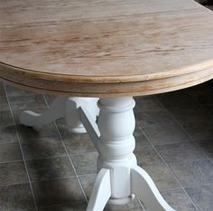 diy refinish an old oak table before after, dining room ideas, diy, painted furniture, woodworking projects--I should do this with our dining room table! Oval Kitchen Table, Painted Kitchen Tables, Painted Oak Table, Dinning Room Tables, Diy Dining Table, Dining Area, Dining Chairs, Refinished Table, Refinish Table Top