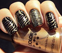 gold and black nail design Beautiful. Neonwoman