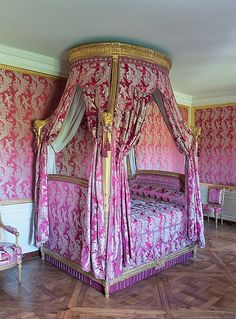 #bedroom in Marie Antoinette's retreat - Le Petit Trianon, #Versailles France #pink