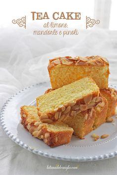 La tana del coniglio: Tea cake al limone, mandorle e pinoli