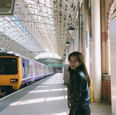 Ulzzang Korea, Ulzzang Girl, Korean Photo, Angels Beauty, Strike A Pose, Streaming Movies, Aesthetic Pictures, Female Characters, Asian Beauty