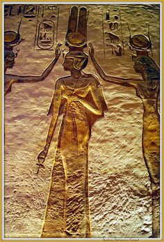 Relief of Nefertari in Abu Simbel Temple, Egypt (by Barbara Tempel) Ancient Aliens, Ancient Egyptian Art, Ancient History, Art History, Egyptian Mythology, Egyptian Goddess, European History, Ancient Greece, American History