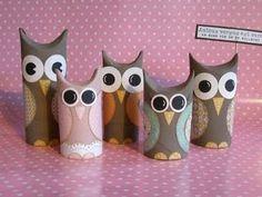 Kul pyssel med ugglor av toalettrullar! Toilet Roll Craft, Toilet Paper Roll Crafts, Hand Crafts For Kids, Diy For Kids, Modern Crafts, Diy Arts And Crafts, Owl Kids, Rolled Paper Art, Autumn Crafts