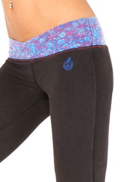 33 Flow Fitted Yoga Flare Pant With Vintage Wash Black w/ Indigo ...