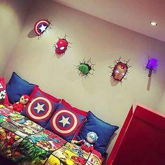 16 Avengers Inspirierten Home Deko Ideen Für Echte Geeks 16 Avengers Inspired Home Deco Ideas For Real Geeks Decoration Bedroom, Boys Bedroom Decor, Bedroom Ideas, Boys Superhero Bedroom, Trendy Bedroom, Marvel Bedroom Decor, Boys Room Ideas, Superhero Room Decor, Gold Bedroom