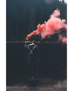 Звоните и заказывайте! В наличии. Оформить доставку или записаться на самовывоз 8(383) 380-36-62 whatsApp/Viber 8-953-780-36-62 sharodyi.ru Галущака 17, оф. 8 #цветнойдым #дымоваяшашка #дымовыешашки #дым #девушка #красота #tsvetnoydym #coloredsmoke #фотосессия #необычноефото #ценимомент #природа #фото #подымим #красный #фотограф #smoke #dym #smokebomb #лето #новосибирск #цветнойдымнск #цветнойдымновосибирск #свадьба