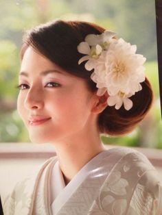 Yahoo!検索(画像)で「白無垢 洋髪 かわいい」を検索すれば、欲しい答えがきっと見つかります。