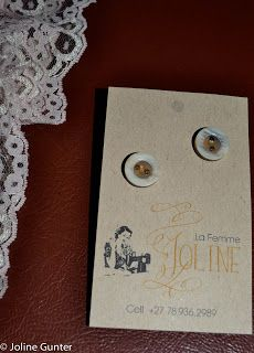La Femme Joline: Vintage button earrings