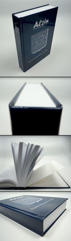 Livre cartonné, couverture rigide, petit format.  #hardcover Document, Bose, Container, Impressionism, Products