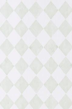 En tapet i non-woven materiale. Hver rull er 10,5 m. Bredde 53 cm. Mønstertilpasset 13 cm. <br>Made in Sweden.<br><br>Match med tapeten Smilla når du vil ha nøytrale vegger i kontrast til mønstrede tapeter.<br><br>Non woventapeter gjør tapetseringen lettere ved at du stryker limet direkte på veggen og deretter setter opp tapeten. Et vevlim skal brukes, fordi et vanlig tapetlim er laget for papirtapeter. Her på Ellos kan du kjøpe et perfekt matchende vevlim!