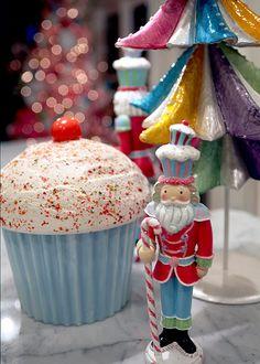 Look how cute this is Miss Ruth.  Nutcracker Christmas Decor | #christmas
