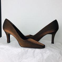 a8850c8f8b Stuart Weitzman Gold Shimmering Square Point-Toe pumps size 5.5 B Slim heel  New