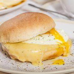 Pan con huevo, lo mejor para el desayuno.
