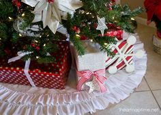 Beautiful NO-sew ruffled tree skirt from iheartnaptime.net
