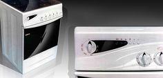 Nel design della cucina balza all' allocchi la sinuosità dei profili e la sensuale curvatura della zona display-manopole e l' ergonomia dei piani cottura s