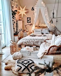 Home Decor Items 35 Gorgeous Bohemian Bedroom Decor Ideas You Can Try - Since our bedroom is the most private space where we can be ourselves and let our imaginations loose, below we will discuss five amazing ways in which. Room Design Bedroom, Room Ideas Bedroom, Home Decor Bedroom, Diy Bedroom, Bedroom Designs, Bed Room, Casa Hipster, Bohemian Bedroom Decor, Boho Teen Bedroom